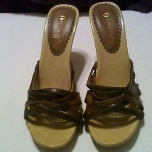 Jazzberry Shoes - Strappy open-back slides